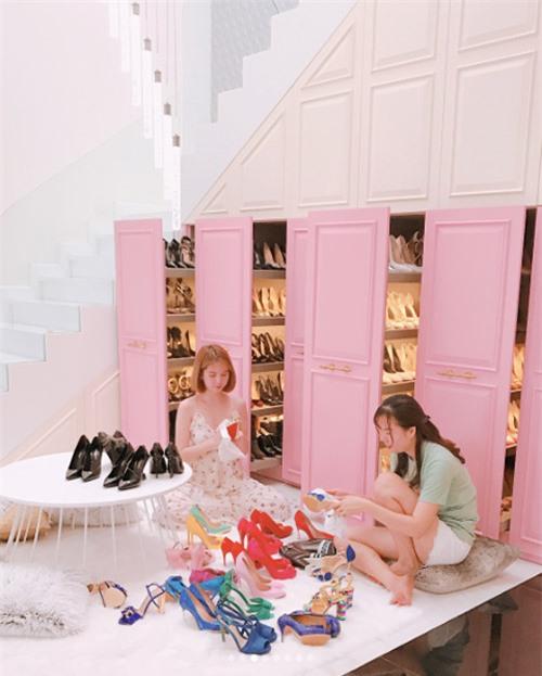 Ngắm 4 kho hàng hiệu to như siêu thị thời trang của sao Việt khiến triệu người ngưỡng mộ-3