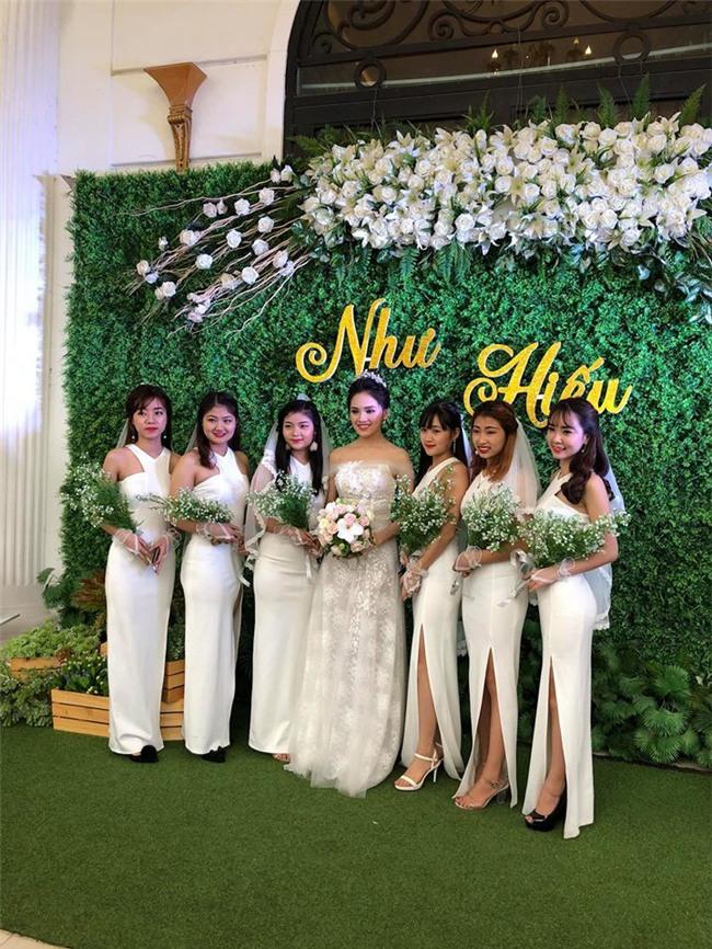 Top 10 Hoa hậu Việt Nam 2016 Trần Tố Như và hotboy cảnh sát khóa môi say đắm trong ngày cưới-4
