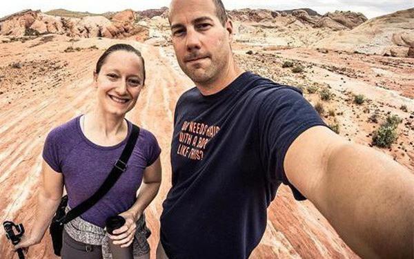 Nghỉ hưu sớm ở tuổi 36 và đi du lịch quanh thế giới, cặp vợ chồng chia sẻ 3 bí quyết tiết kiệm đơn giản mà ai cũng có thể thực hiện được - Ảnh 1.