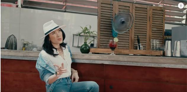 Áo denim phối giầy high heels đinh tán, Mỹ Tâm hóa quý cô retro chất chơi trong MV mới-1