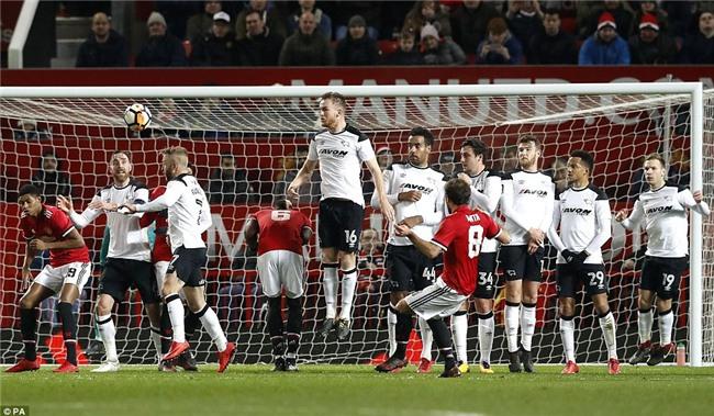 Lingard lập tuyệt phẩm, Man Utd chật vật đi tiếp ở FA Cup - Ảnh 8.