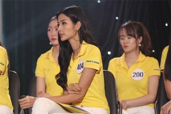 Những trận chiến nảy lửa của dàn mỹ nhân trước chung kết Hoa hậu Hoàn vũ Việt Nam 2017-6
