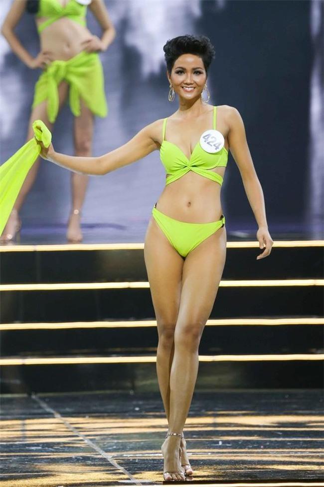 Cận cảnh vẻ nóng bỏng của Tân Hoa hậu Hoàn vũ Việt Nam Hhen Niê - Ảnh 6.