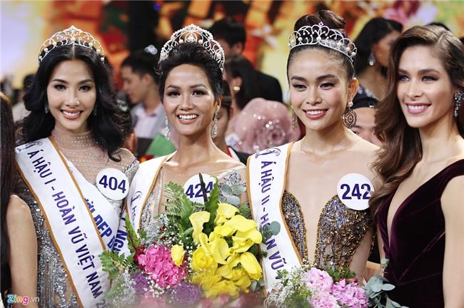 Tân Hoa hậu Hoàn vũ HHen Niê: Vương miện như ngọn hải đăng dẫn lối-3