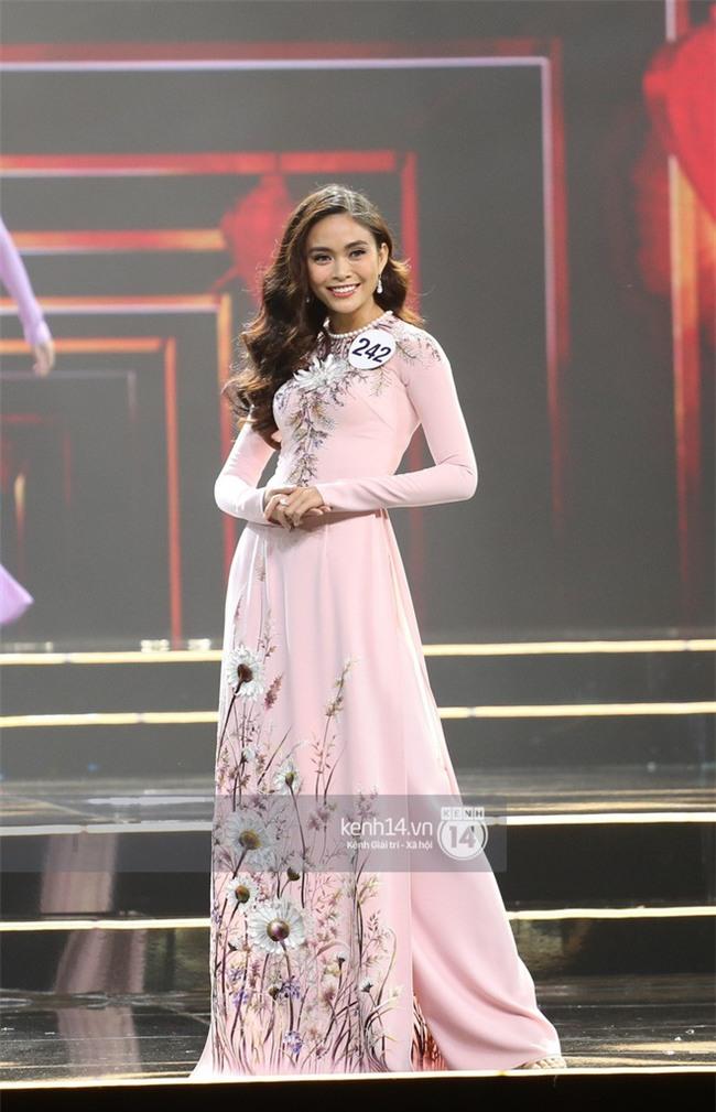 Áo dài đêm chung kết HHHV: Xem mà cứ ngỡ nhầm phải cuộc thi Hoa hậu nào năm xưa - Ảnh 6.