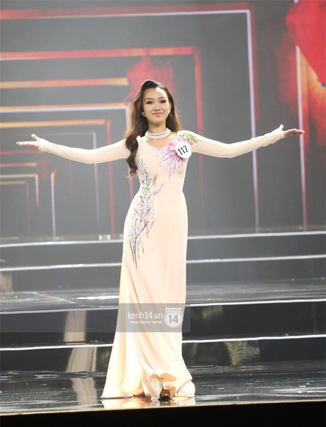 Áo dài đêm chung kết HHHV: Xem mà cứ ngỡ nhầm phải cuộc thi Hoa hậu nào năm xưa - Ảnh 10.