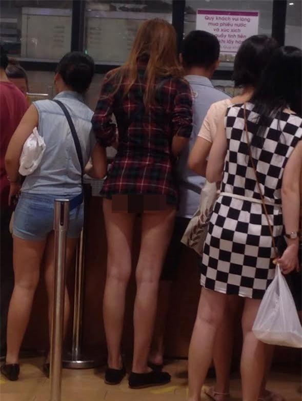 Mặc quần đùi siêu ngắn đi xe giường nằm, cô gái hớ hênh khiến dân mạng ngao ngán - Ảnh 8.