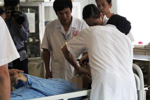 Một trường hợp phải nhập viện vì nghiện điện thoại, Facebook (ảnh minh họa)