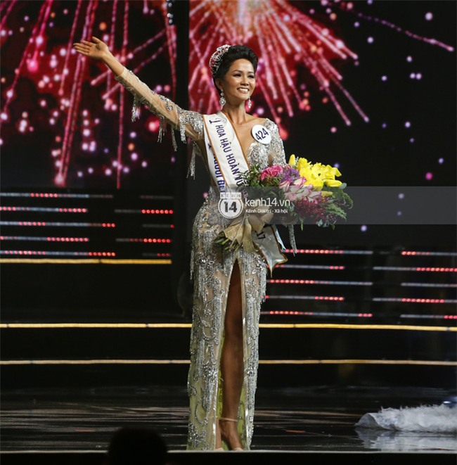 Trước khi đăng quang Hoa hậu, HHen Niê đã là một người mẫu sáng giá với những khoảnh khắc catwalk xuất thần thế này đây - Ảnh 1.