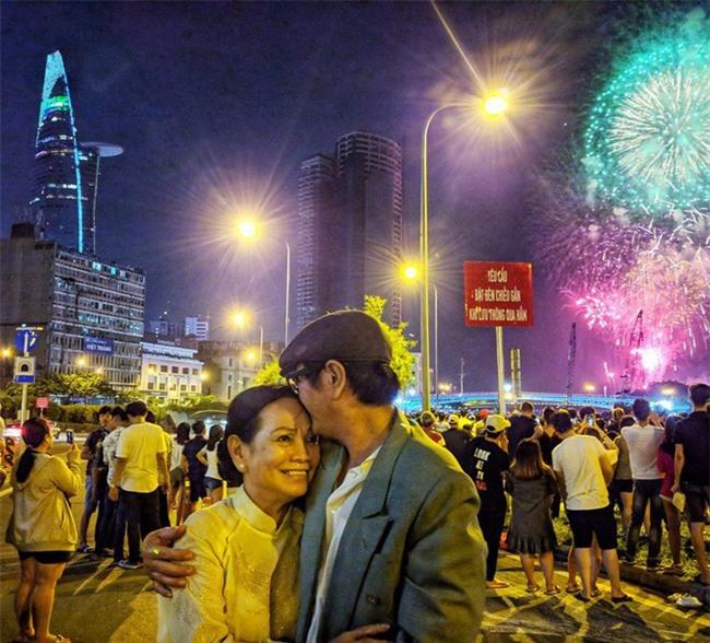 Tình yêu tươi xanh của cặp vợ chồng U60 vẫn bận rộn làm, bận rộn yêu - Ảnh 20.