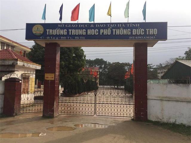 Trường THPT Đức Thọ (huyện Đức Thọ, Hà Tĩnh) đưa MC Phan Anh vào đề thi môn Ngữ Văn, kì thi khảo sát chất lượng học kỳ 1 của lớp 12.