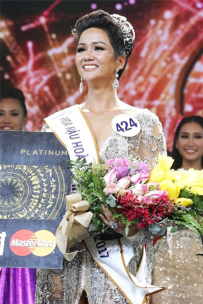 Đắk Lắk đề xuất khen thưởng cho tân Hoa hậu Hoàn vũ HHen Niê - Ảnh 1.
