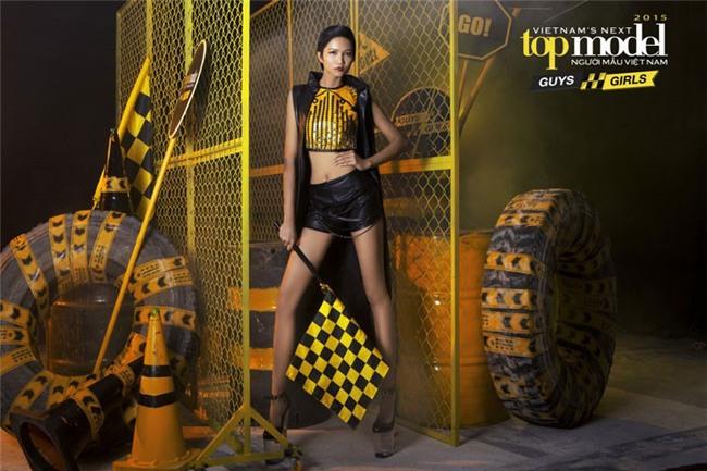 Body của HHen Niê từ Next Top đến Hoa hậu: Dậy thì thành công! - Ảnh 4.