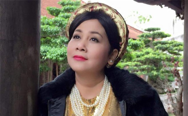 nsut minh hang: trai qua 2 doi chong nhung van chua mot lan sinh con - 2