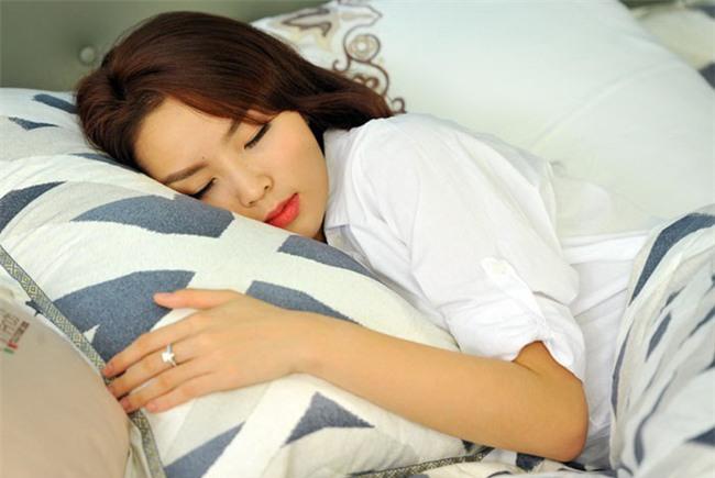 Điểm mặt những thói quen ngủ sai lầm trong mùa đông gây hại tới sức khỏe-2