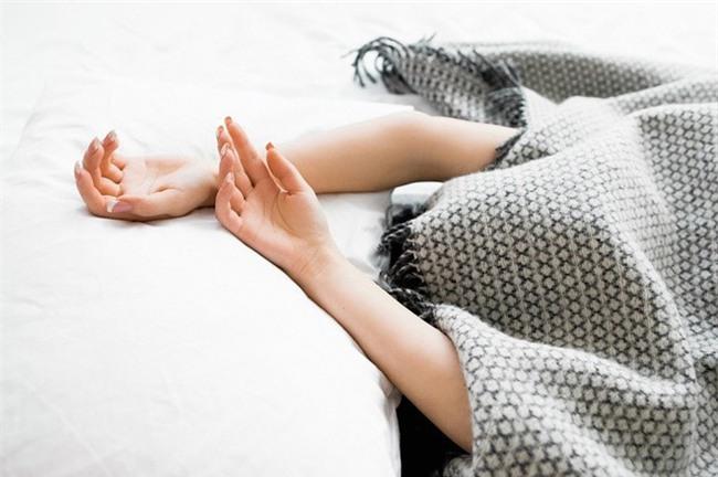 Điểm mặt những thói quen ngủ sai lầm trong mùa đông gây hại tới sức khỏe-3