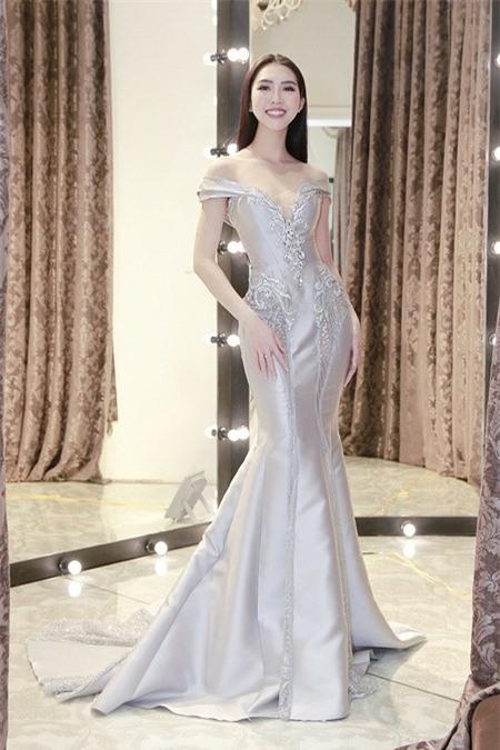 Tường Linh khiến fan lo lắng khi liên tục chọn váy cũ của Hà Hồ để lên đường thi thố nhan sắc-4