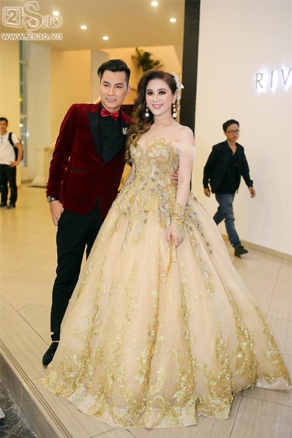 Lâm Khánh Chi xuất hiện với váy cưới dài hàng chục mét-3