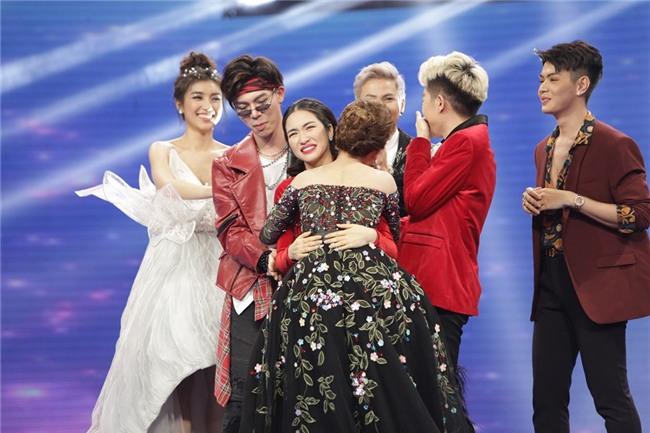 Gia đình hoa dâm bụt Hòa Minzy, Đức Phúc, Erik dắt tay nhau vào Chung kết Cặp đôi hoàn hảo-2