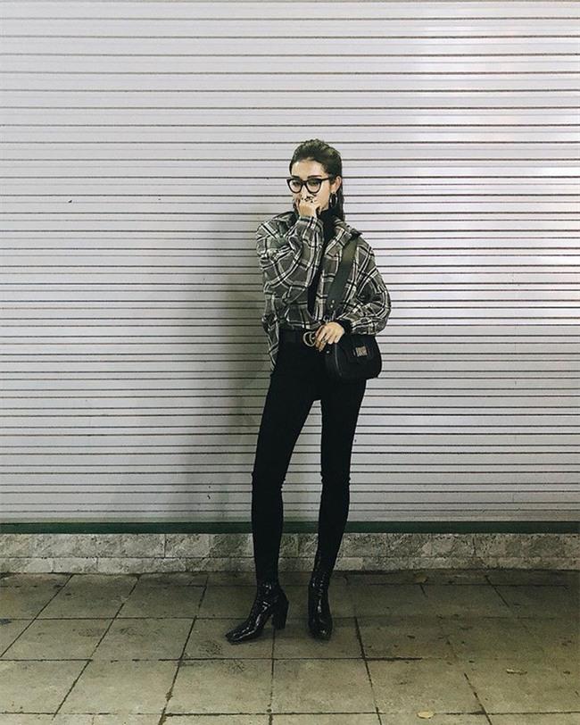 Phạm Hương khoe chân dài bất tận, Kỳ Duyên diện phụ kiện hàng hiệu chất lừ trong street style tuần này - Ảnh 19.