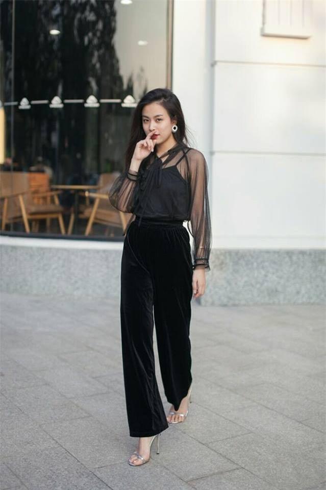 Phạm Hương khoe chân dài bất tận, Kỳ Duyên diện phụ kiện hàng hiệu chất lừ trong street style tuần này - Ảnh 7.