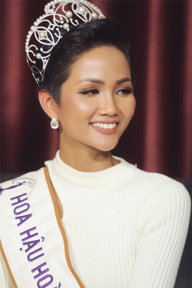 Sự thật về những tấm ảnh cưới bị rò rỉ của tân Hoa hậu H'Hen Niê - Tin sao Viet - Tin tuc sao Viet - Scandal sao Viet - Tin tuc cua Sao - Tin cua Sao