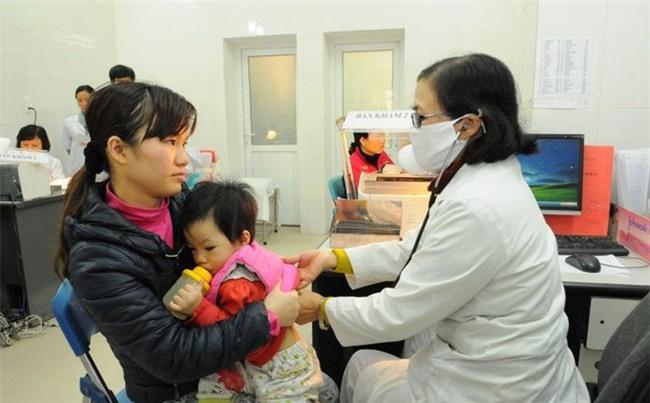 Chuyên gia Nhi khoa BV Bạch Mai: 4 vị trí vàng mẹ cần giữ ấm cho con trong ngày rét đậm-1