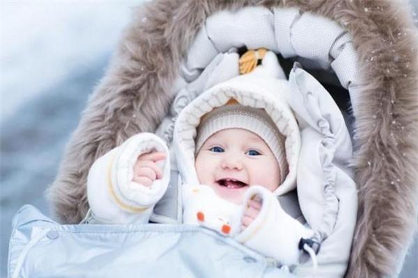 Chuyên gia Nhi khoa BV Bạch Mai: 4 vị trí vàng mẹ cần giữ ấm cho con trong ngày rét đậm-2