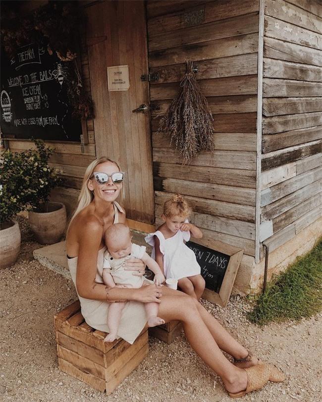 Người mẹ bị ăn mắng té tát vì đăng ảnh con gái lên mạng, nguyên nhân chỉ vì làn da của cô bé - Ảnh 1.
