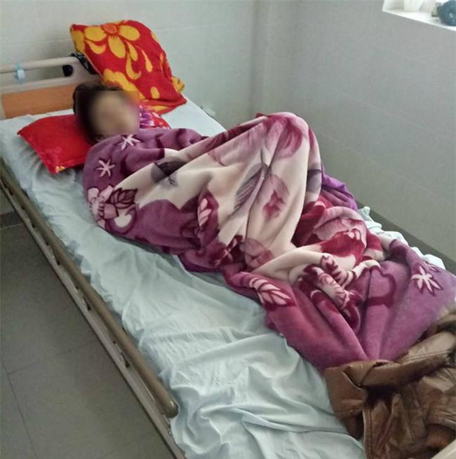 Vụ bệnh viện đưa nhầm thuốc khiến sản phụ mất con: Đã đình chỉ công tác nữ hộ sinh - Ảnh 2.