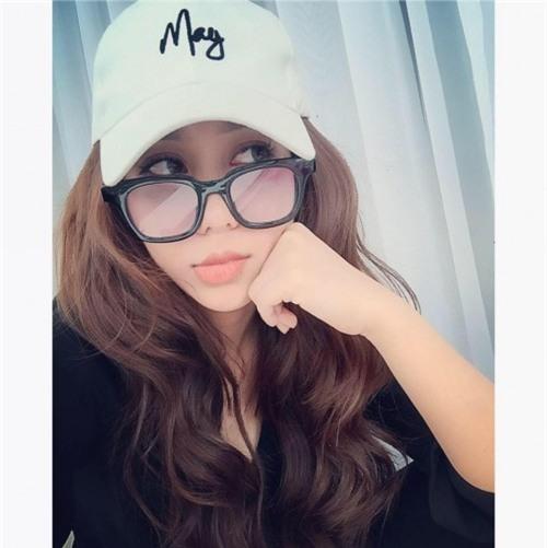 Chân dung bạn gái xinh đẹp khiến Yanbi 'tự nguyện' unfriend hết gái xinh trên Facebook - Ảnh 4.