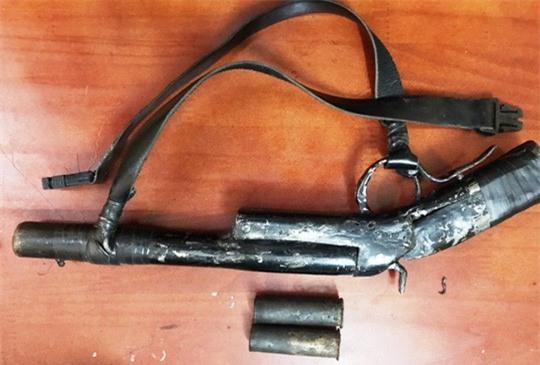 Rút súng bắn, 1 nghi phạm trộm chó bị đánh hội đồng tử vong - Ảnh 1.