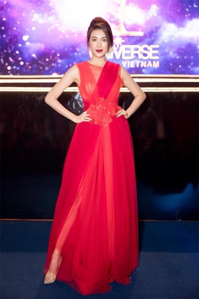 Thanh Hằng diện set đồ 3 tỷ, cân cả dàn mỹ nhân Việt trên thảm đỏ tuần qua-8