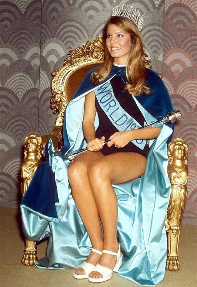 Những vụ Hoa hậu bị tước vương miện trên thế giới: Kẻ lộ ảnh nude, người bị phát hiện có chồng con-5