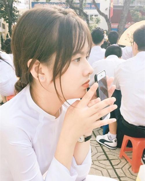 Lại xuất hiện thêm một nữ sinh Hà Nội sở hữu vẻ đẹp lai Tây khó rời mắt! - Ảnh 6.