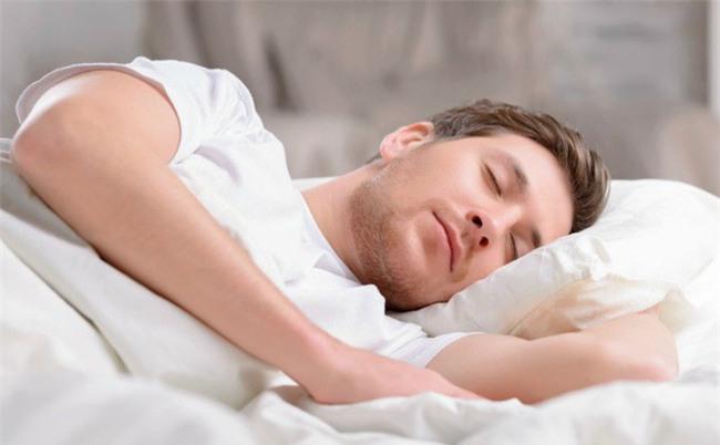 Người có 5 đặc điểm này khi ngủ, đảm bảo sẽ sống trường thọ: Bạn thử xem mình có không?-1