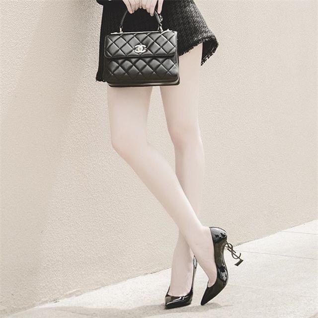 Angela Phương Trinh liệu có biết mình vừa sắm đôi giày giống cả Ngọc Trinh lẫn Kỳ Duyên - Ảnh 7.