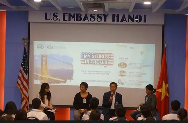 Diễn giả Trần Lương Sơn (người cầm mic) – Tốt nghiệp Học viện công nghệ MIT, Hoa Kỳ theo chương trình học bổng Fulbright.