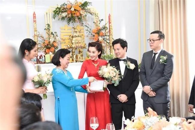 Lần đầu làm dâu nhà đại gia, Đặng Thu Thảo sướng đến mức nào? - Tin sao Viet - Tin tuc sao Viet - Scandal sao Viet - Tin tuc cua Sao - Tin cua Sao