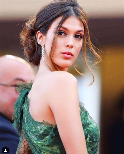 Hoa hậu Hoàn vũ 2016 dính lưới tình của sao tuyển Pháp - Ảnh 5.