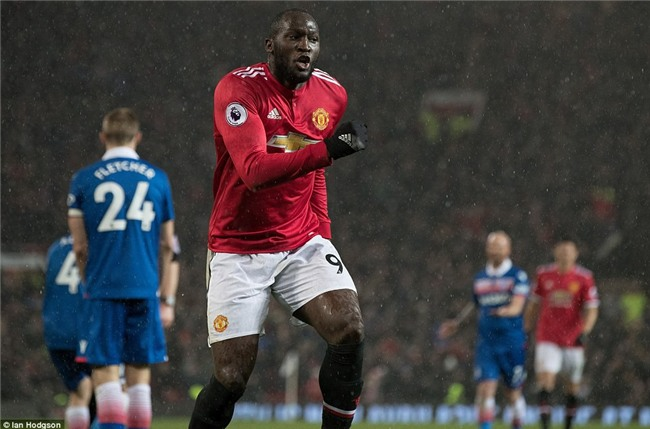 Man Utd thắng 3 sao, rút ngắn cách biệt với Man City xuống 12 điểm - Ảnh 9.