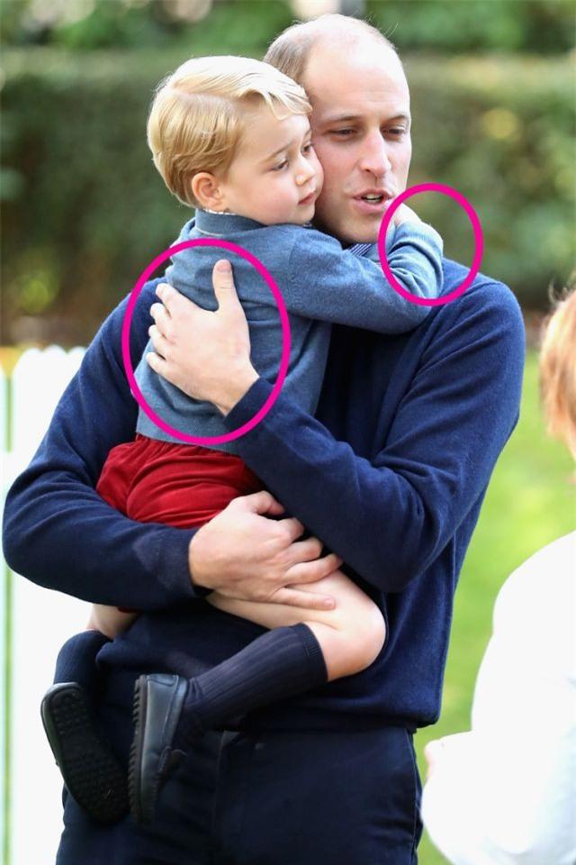 Cách vợ chồng Hoàng tử William thể hiện tình yêu và che chở con được các chuyên gia hết lời khen - Ảnh 9.