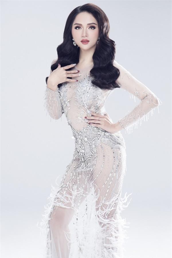 Không cần giấy phép của Cục Nghệ thuật Biểu diễn, Hương Giang Idol đủ tiêu chuẩn thi Hoa hậu Chuyển giới-2
