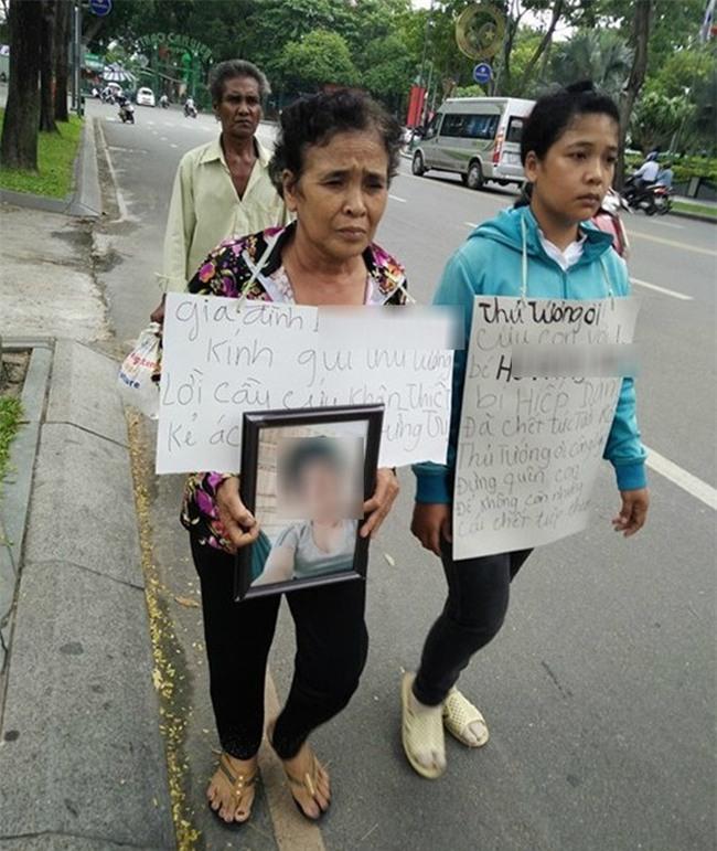 Mẹ bé gái 13 tuổi nghi tự tử vì bị hàng xóm xâm hại: Ước gì, con tôi có thể sống lại được - Ảnh 10.