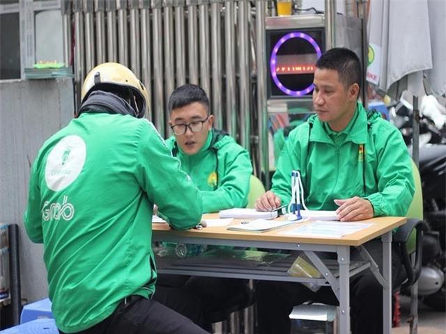 Bảo hiểm xã hội,BHXH,trốn thuế,Mai Linh,taxi truyền thống,uber,grab