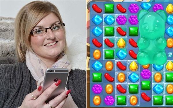 Chơi thử game Candy Crush, bà mẹ nghiện luôn đến quên ăn quên ngủ rồi chuốc lấy hậu quả khốn khổ - Ảnh 1.