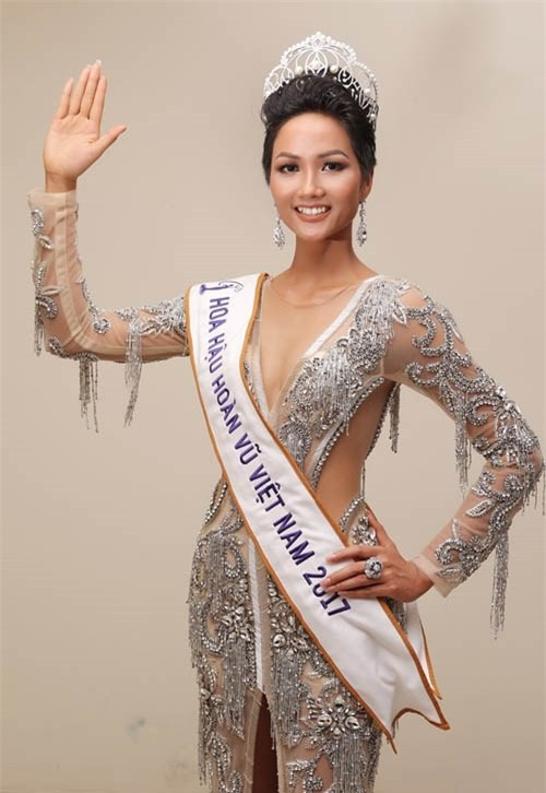 10 năm Việt Nam chỉ tìm được 3 Hoa hậu Hoàn vũ, ai mới là người được lòng công chúng nhất khi vừa đăng quang? - Ảnh 17.