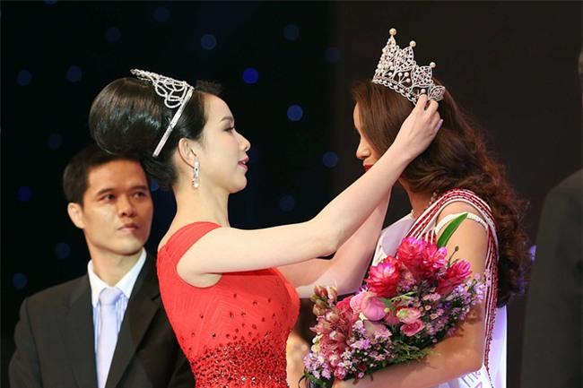 10 năm Việt Nam chỉ tìm được 3 Hoa hậu Hoàn vũ, ai mới là người được lòng công chúng nhất khi vừa đăng quang? - Ảnh 7.