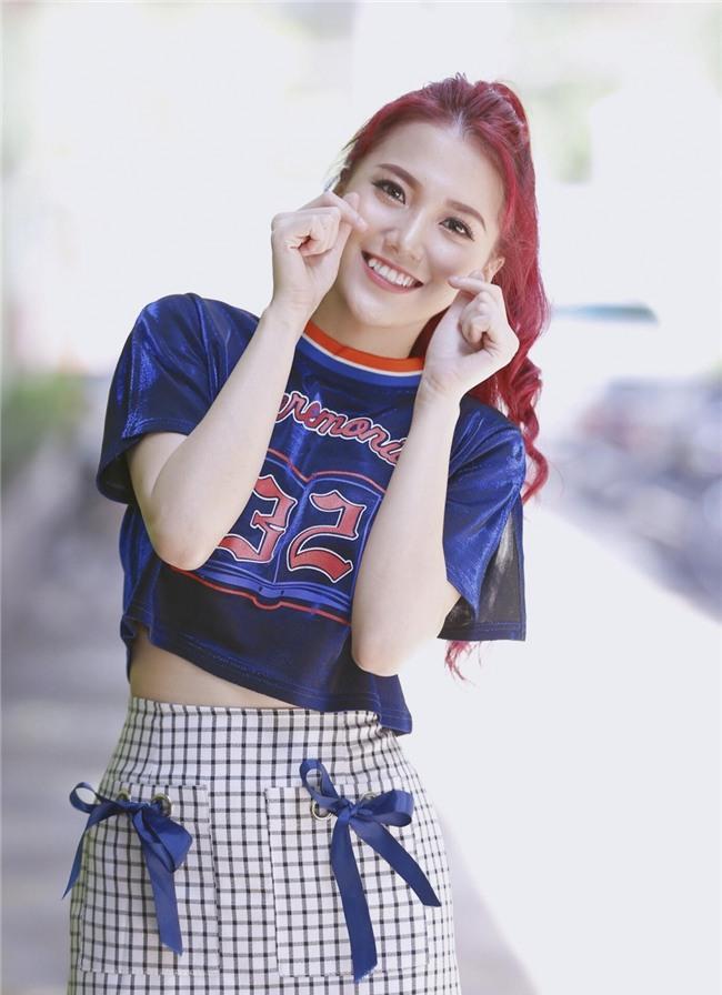 Tan chảy trước clip Karik gọi điện thoại tỏ tình với hot girl Emma Nhất Khanh-1
