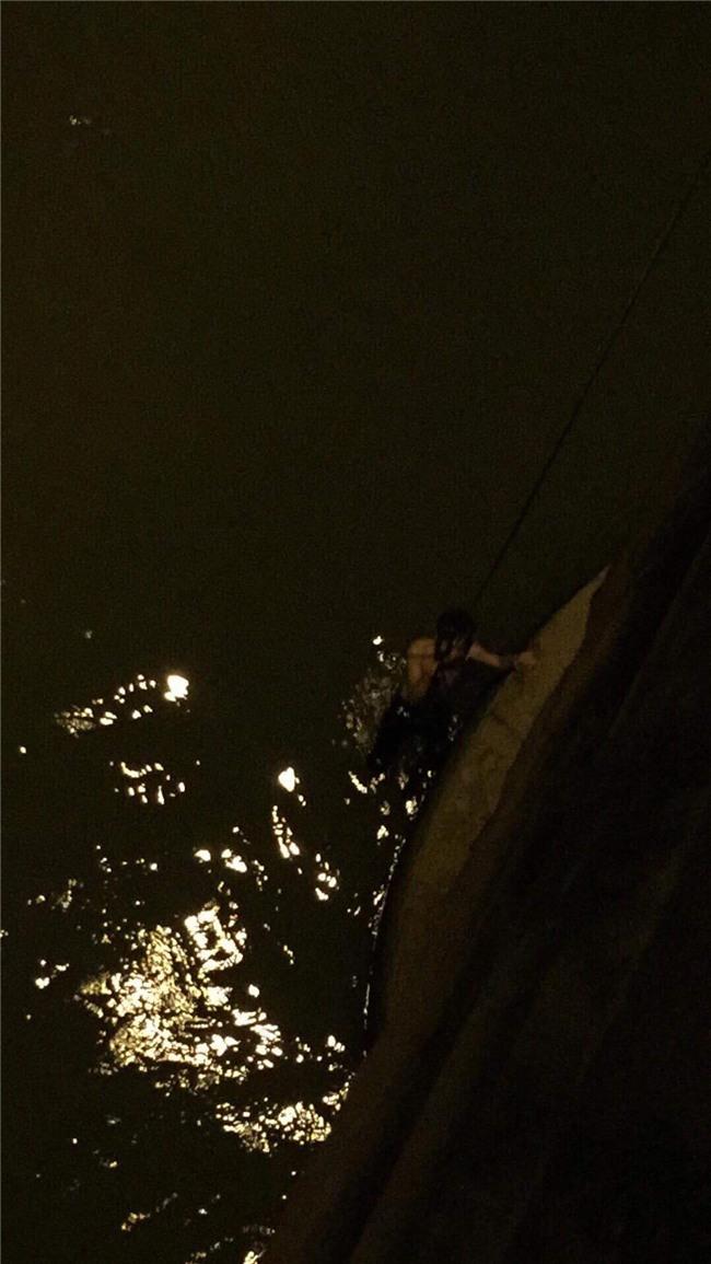 Nam thanh niên 25 tuổi đốt xe máy gieo mình xuống cầu Đồng Nai tự tử và cái kết không ngờ - Ảnh 2.